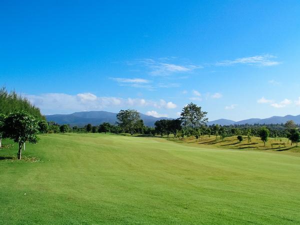 Golf Promotion at Mae Jo Club